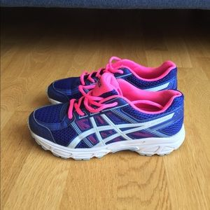 ASICS running shoes, brand new condition